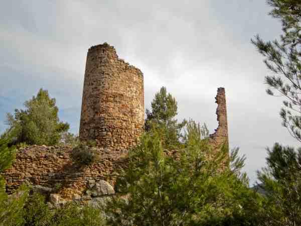 Rovine del Castello di Ain, caratteristico villaggio all'interno della Sierra di Espadán