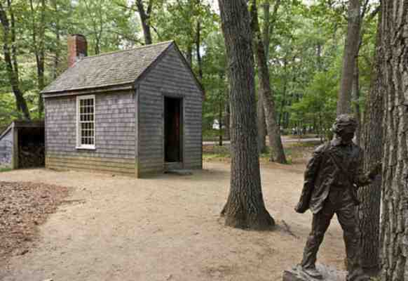 La capanna nei boschi che si costruì Thoreau