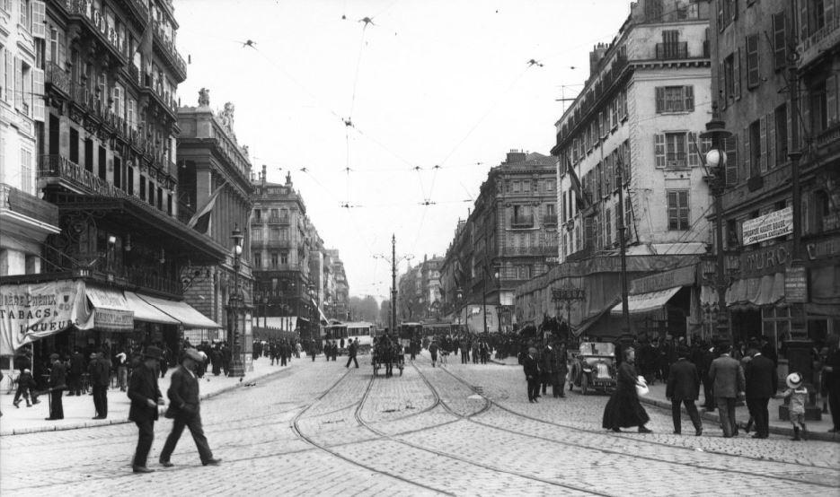 Marsiglia, Rue Canebiere, altra strada con molti incidenti durante i Vespri Marsigliesi