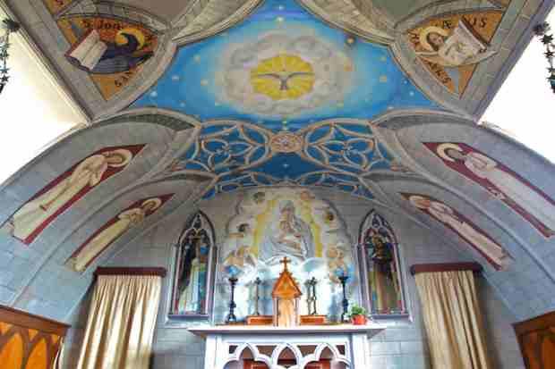 Soffitto dell'Italian Chapel di Lambholm, dipinto da Domenico Chiocchetti